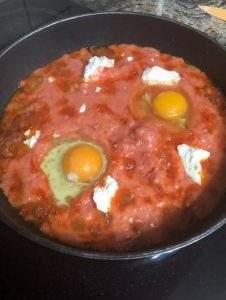 ντοματα με αυγα