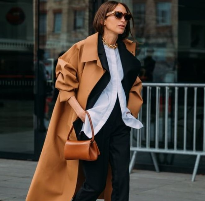 μαύρο γυναικείο κοστούμι με ταμπά παλτό