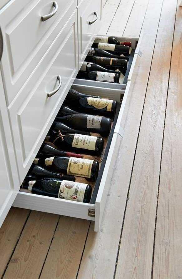 κάβα ποτών σε συρτάρι