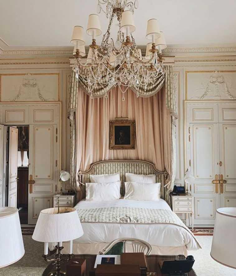 νεοκλασσικό υπνοδωμάτιο
