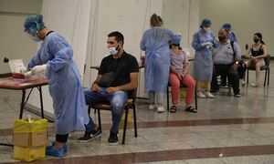 Κρούσματα σήμερα: 720 νέες μολύνσεις στην Αττική, 221 στην Κρήτη και 123 στη Θεσσαλονίκη